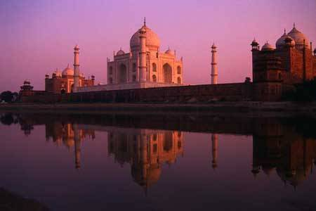 Taj Mahal Moon light